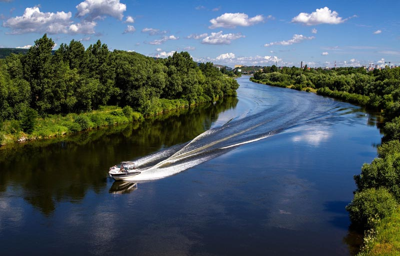 Boot auf Fluss